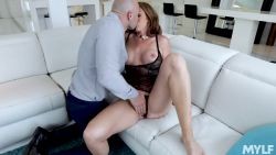 Milf seduces a rich stranger for sex